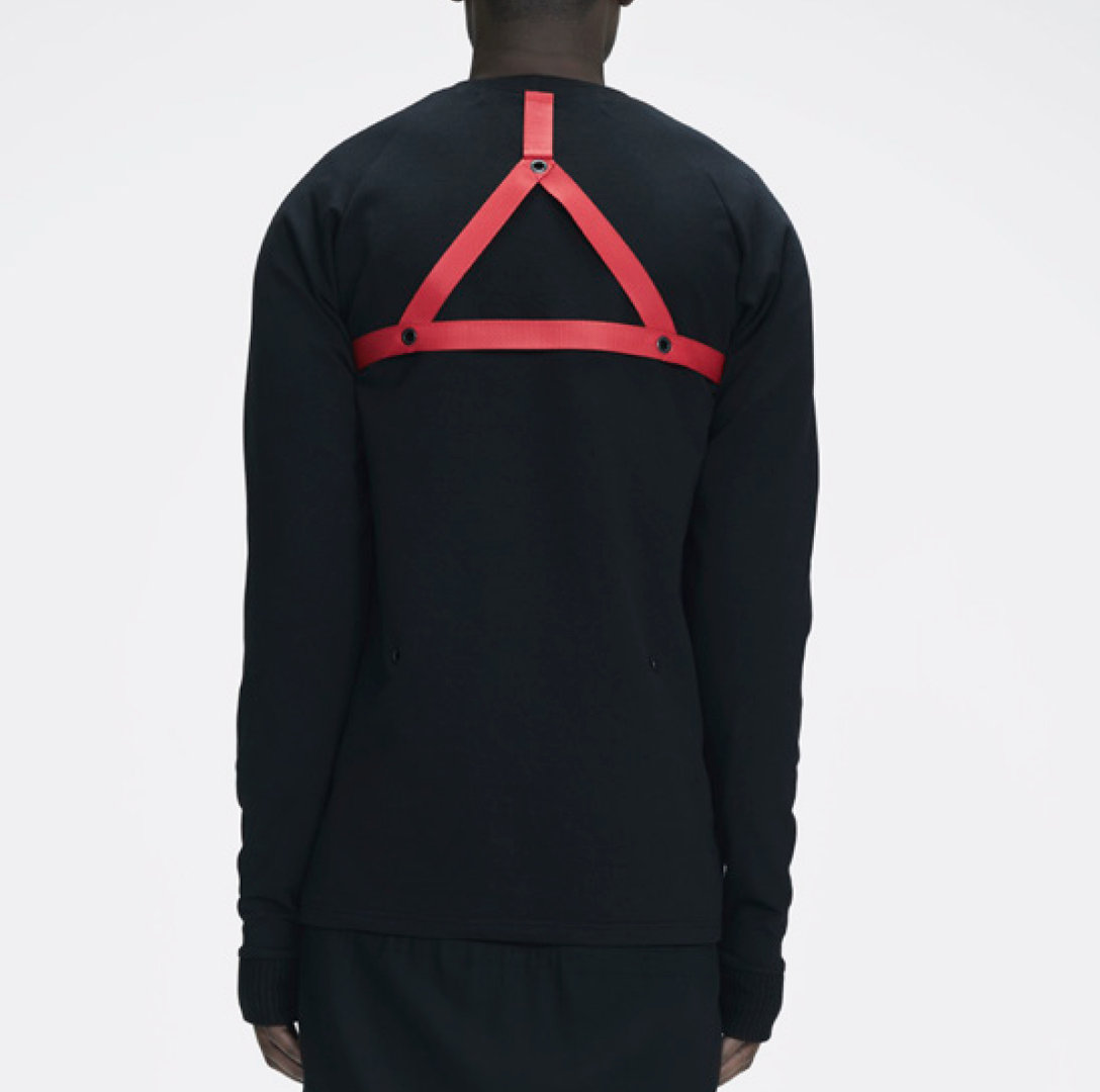 MLTV RIBBON SWEATER BLACK AND RED