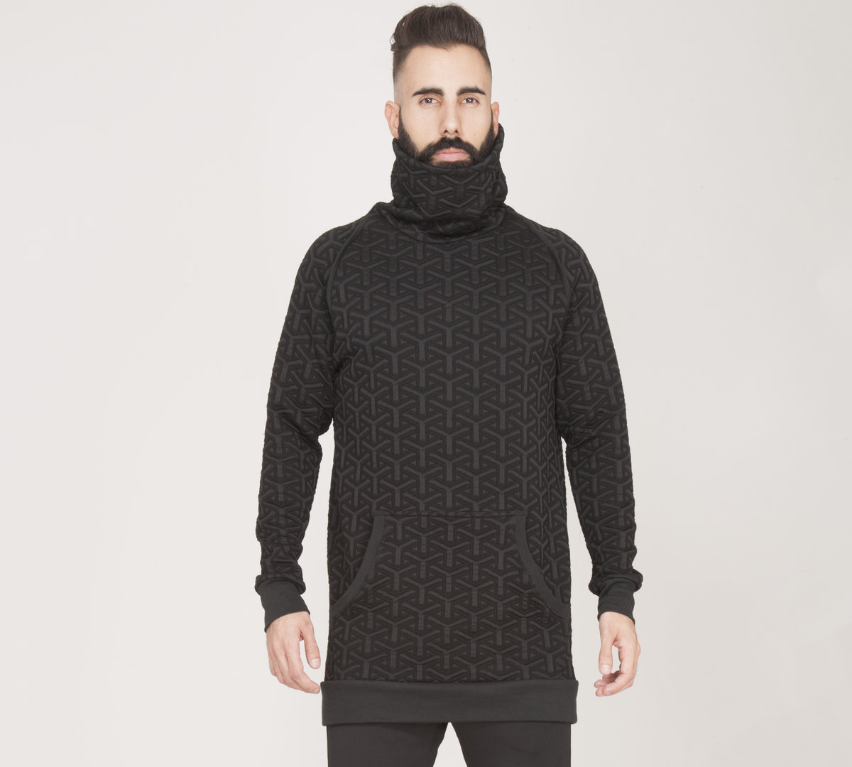 TRAY STYLING TURTLE NECK BLACK SWEATER