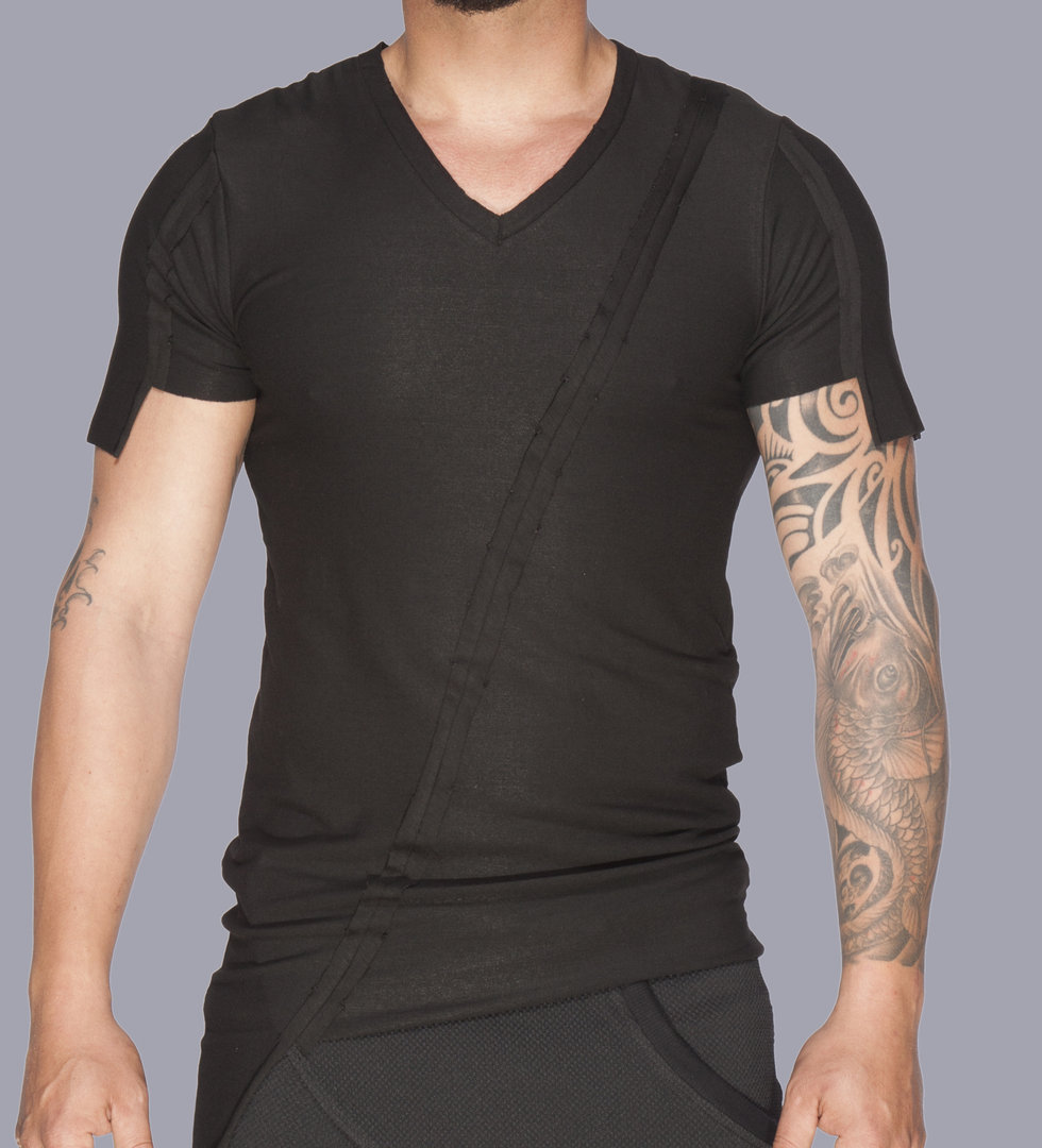 TRAY STYLING BLACK CRATER T-SHIRT
