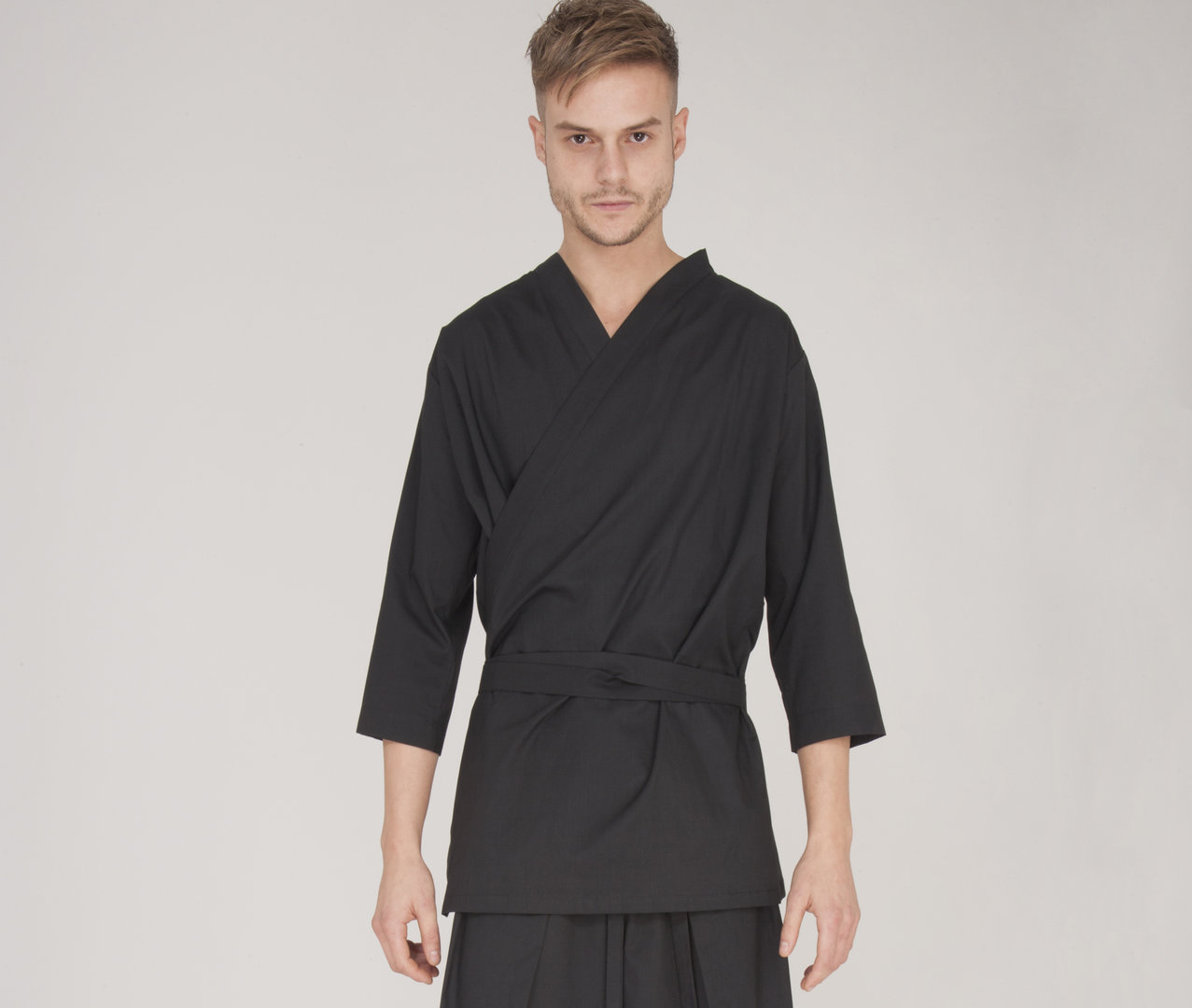 TRAY STYLING KIMON-ES SHIRT WITH BELT BLACK
