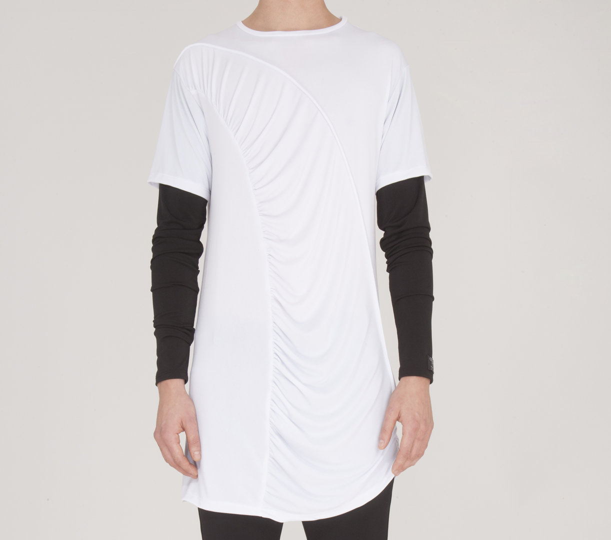 TRAY STYLING LONG SLEEVE BLACK/ WHITE WRAP TEE