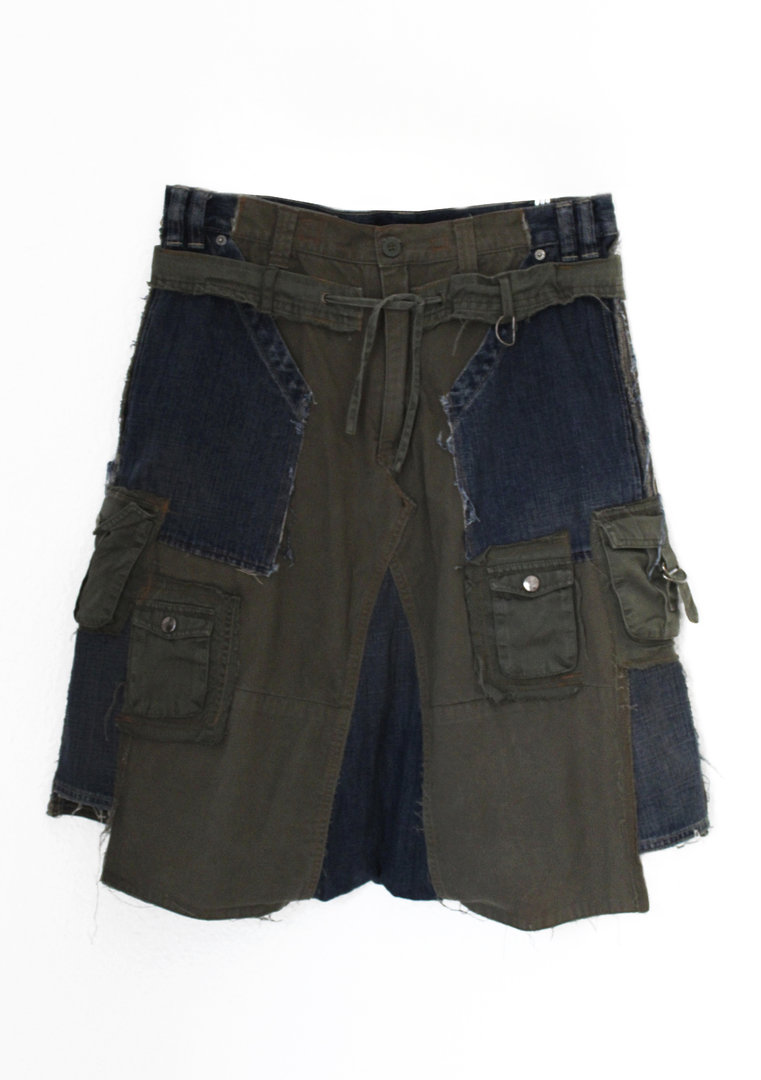 VISORI STUDIO MILITARY WIDE CROTCH TROUSER